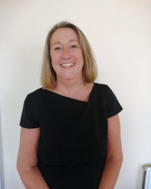 Lesley </br> Finance Manager
